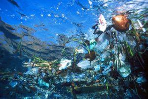 plastico-en-el-oceano