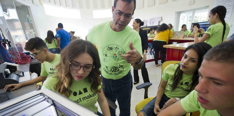 creatividad empresarial en la juventud participantes fab lab