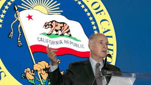 Jerry Brown gobermador de California