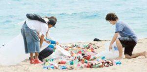 basura en la playa