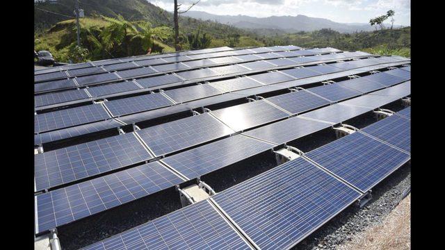 Sistema de placas solares en Las Piedras