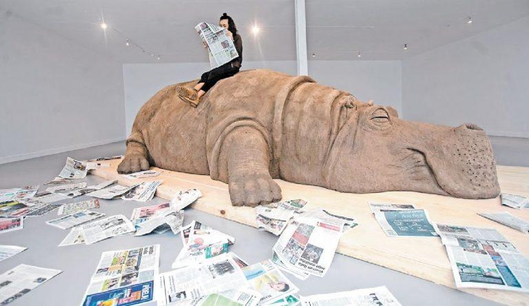 escultura Hope Hippo hipopotamo de tamano real museo