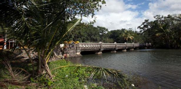 puente en Naguabo
