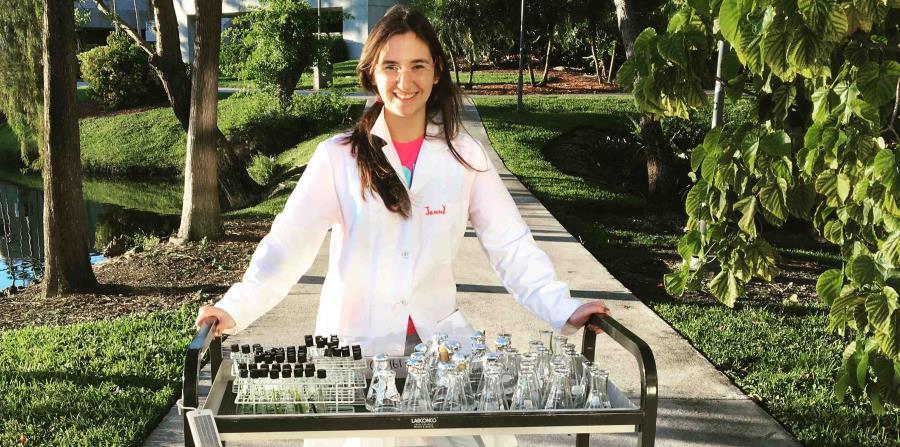 Jennifer Gil científica boricua microalgas