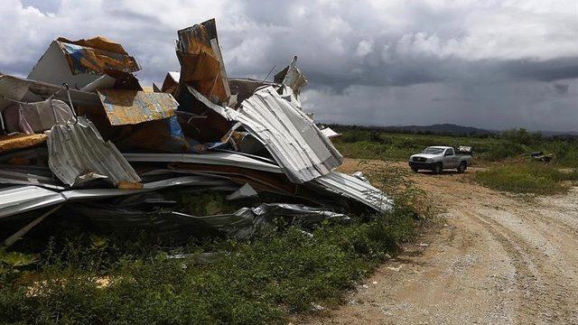 casa derrumbada en la localidad de Naguabo Puerto Rico