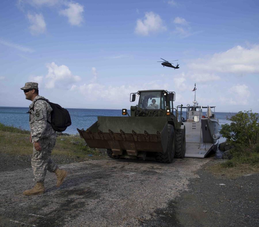 Marina de Guerra de Estados Unidos limpieza terrenos contaminados en Vieques