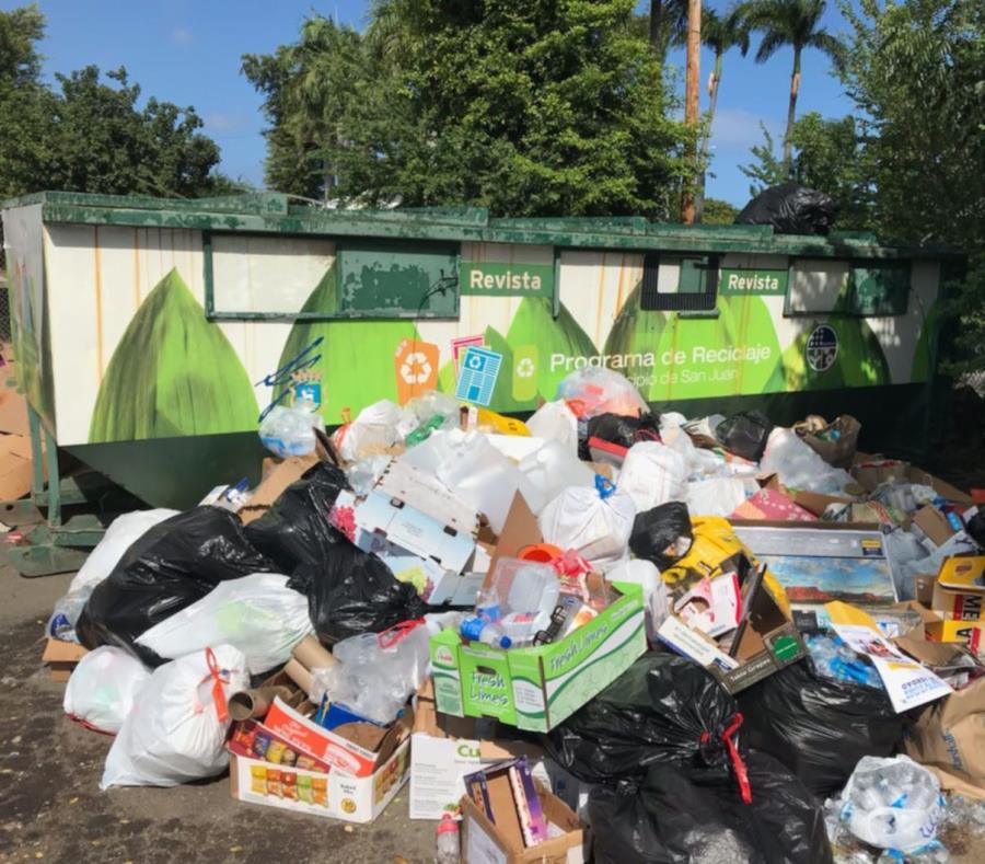 contenedor de reciclaje parque central Puerto Rico