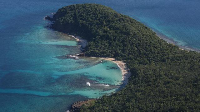 Vista aerea de la costa de la isla municipio de Culebra