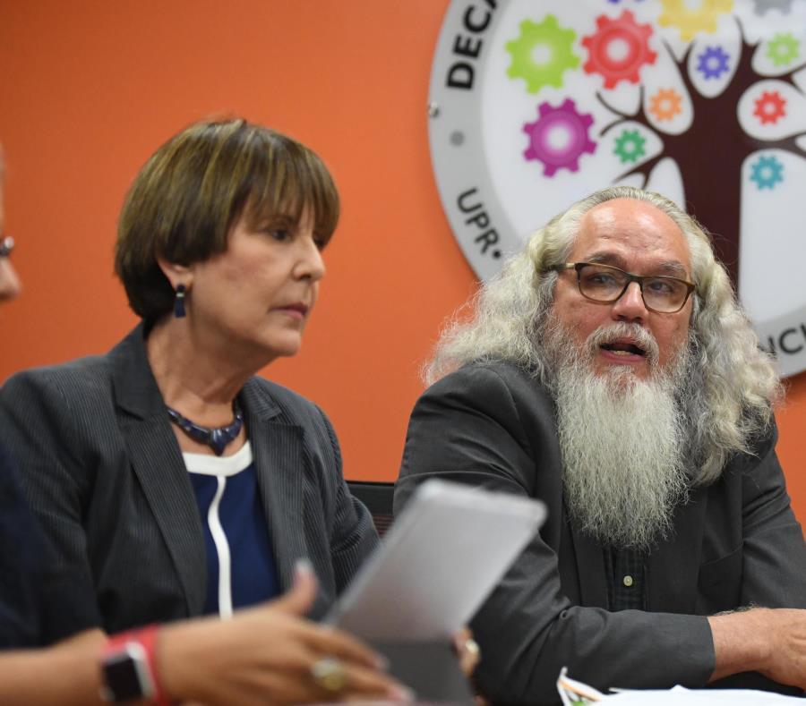 doctores Margarita Irizarry Ramírez y Ruben Garcia