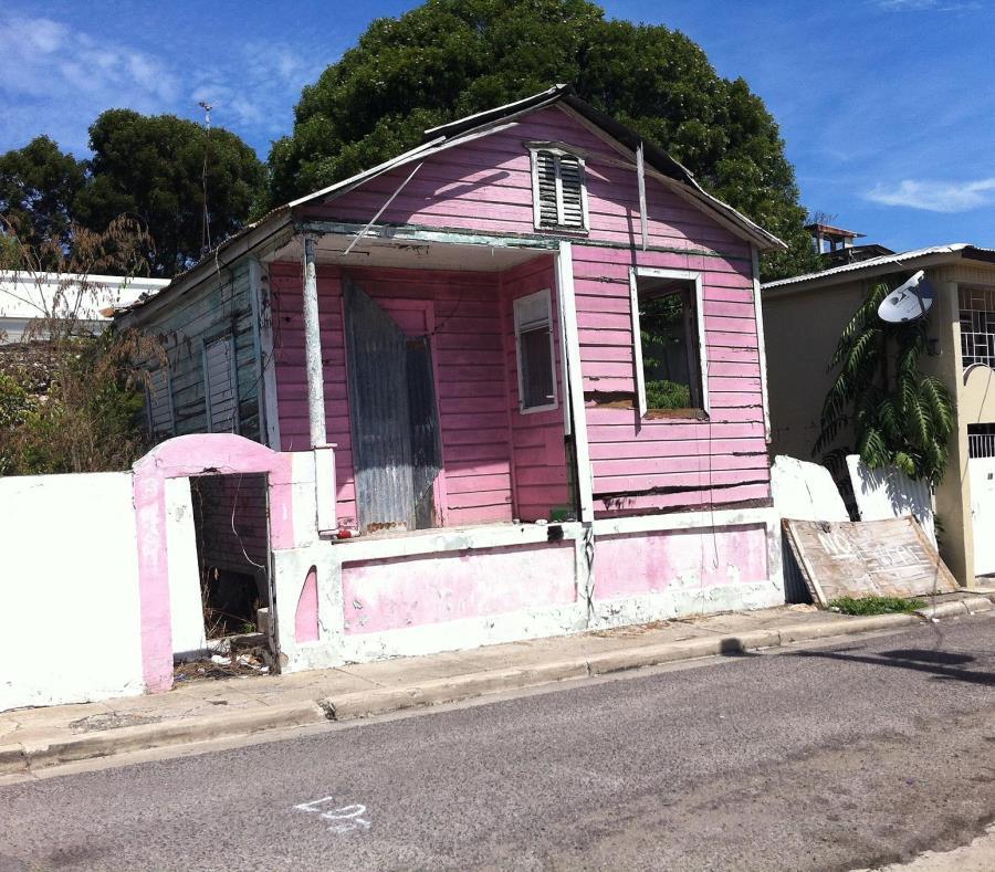 propiedad abandonada en Ponce