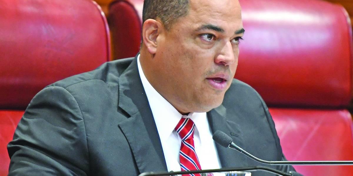 senador Carmelo Rios