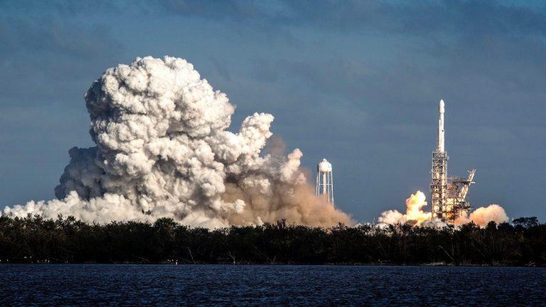 Empresas privadas también aspiran viajar al espacio