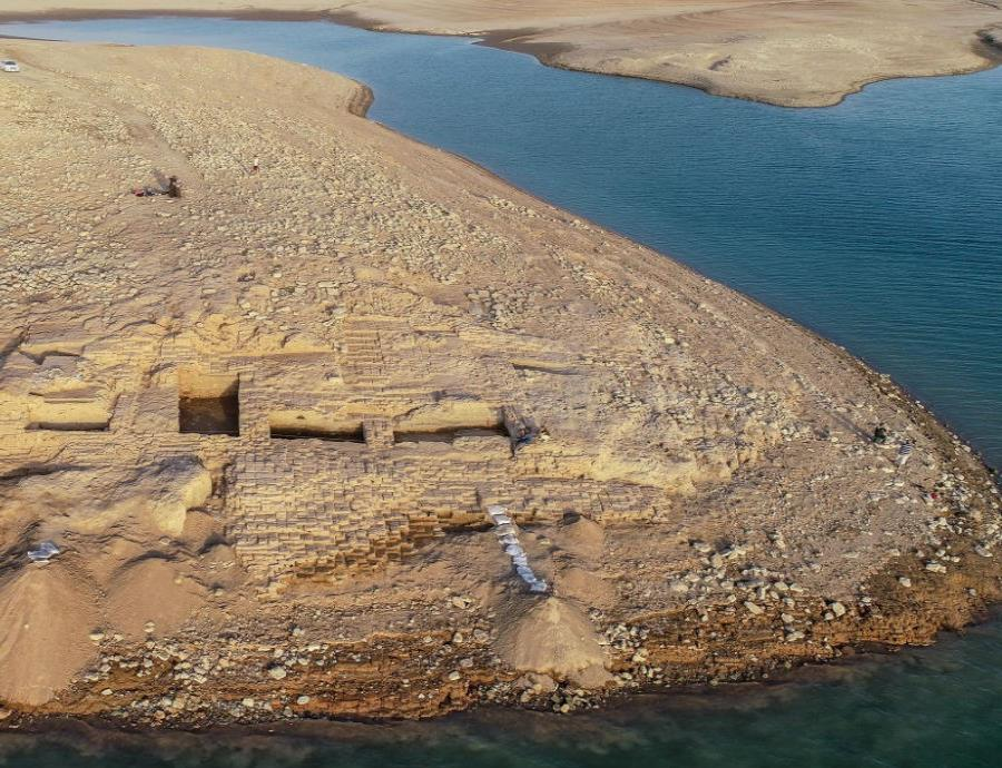 ruinas misterioso palacio descubierto Irak