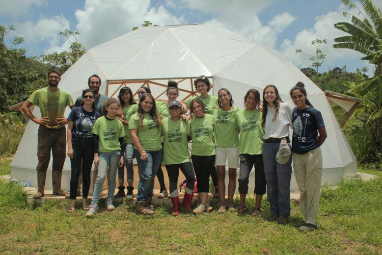 Adolescentes aprenden de la siembra en Jayuya