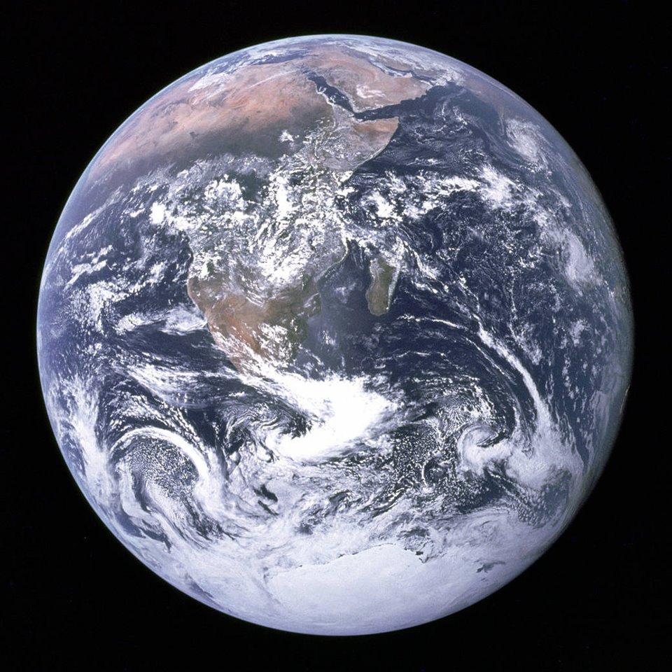 la-tierra-vista-desde-el-espacio-durante-la-mision-apolo