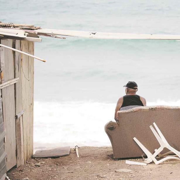 erosion costera Playa Barrio Obrero en Arecibo