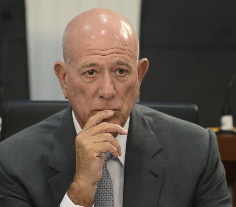 senador Larry Seilhamer