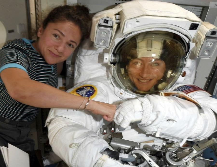 Astronautas Christina Koch Y Jessica Meir