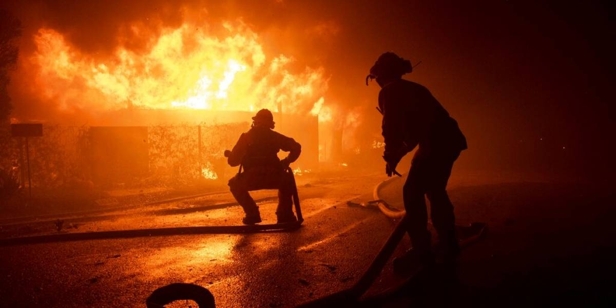 Bomberos Incendios Forestales California