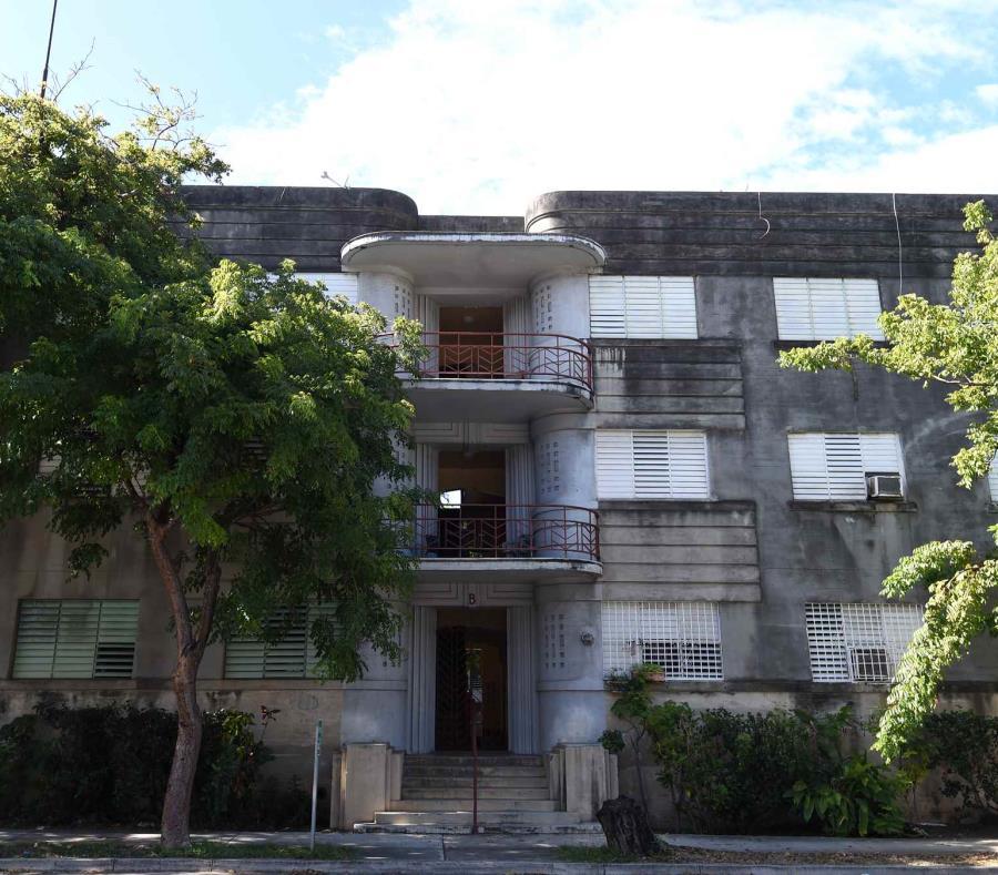 Edificio El Falansterio Joya Arquitectonica De Puerta De Tierra