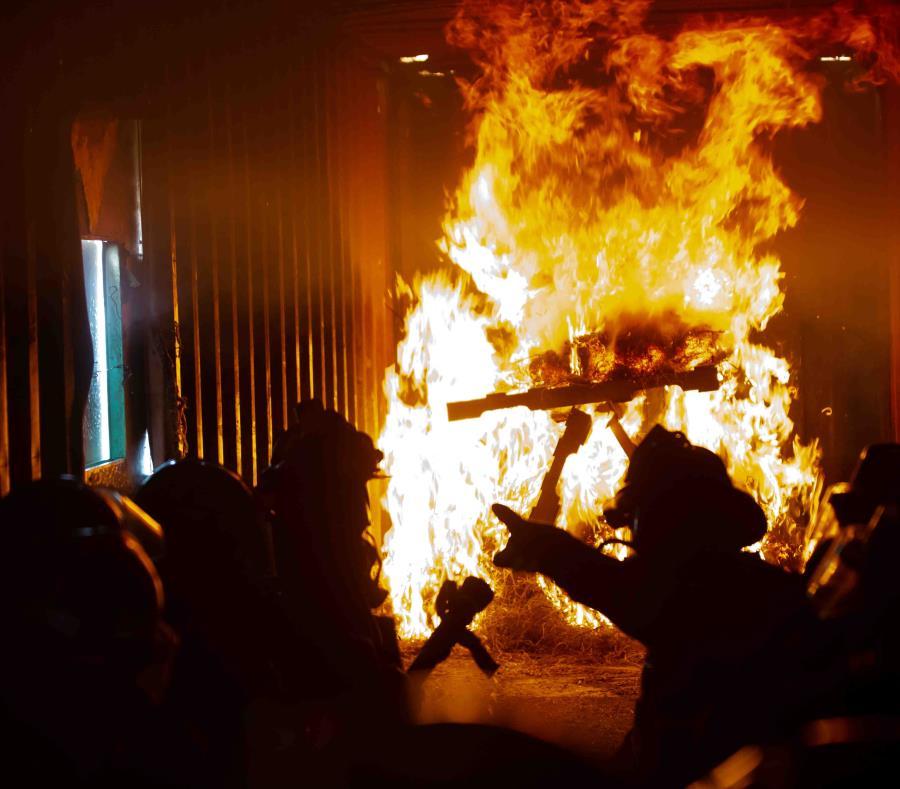 Incendio Almacen De Gomas En Juncos