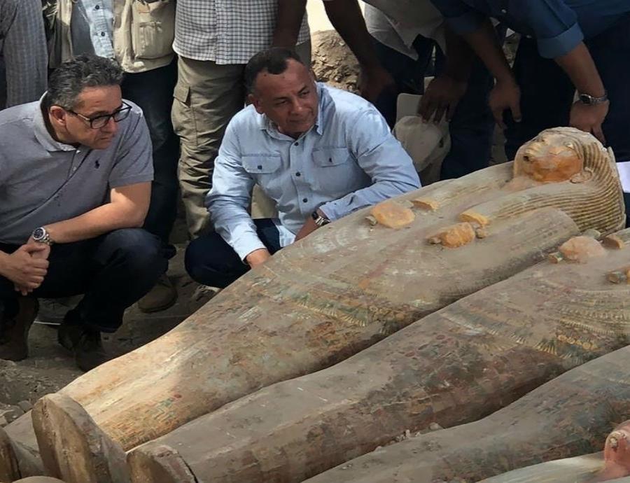 Sarcofagos Antiguos De Madera En Egipto