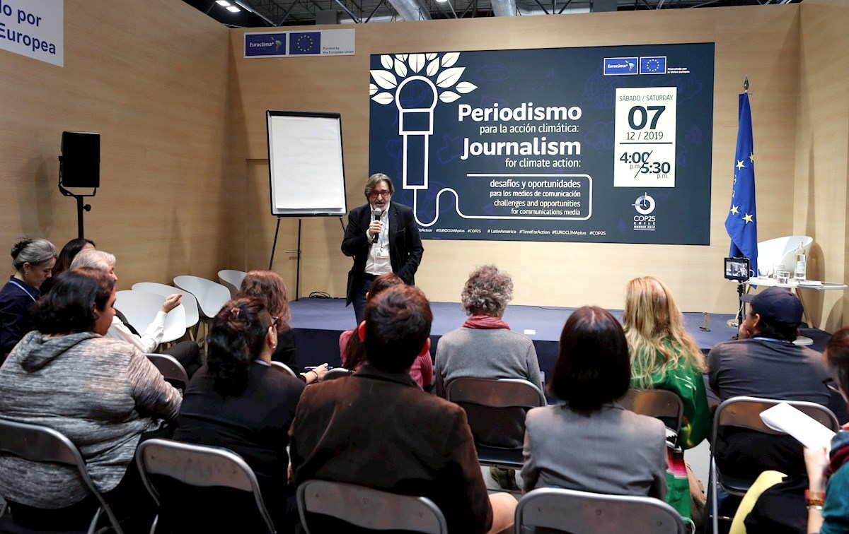 Periodismo Ambiental Director De EFEverde Arturo Larena