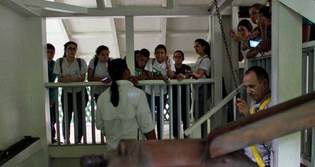 Hacienda Buenva Vista Salon De Clases Estudiantes