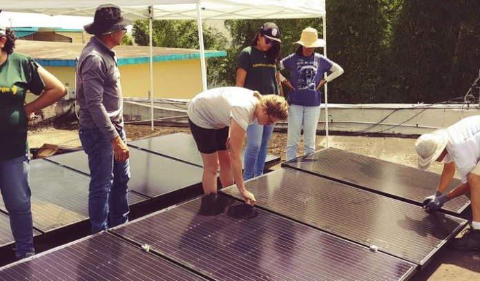 Mujeres Electricistas Certificados En Puerto Rico