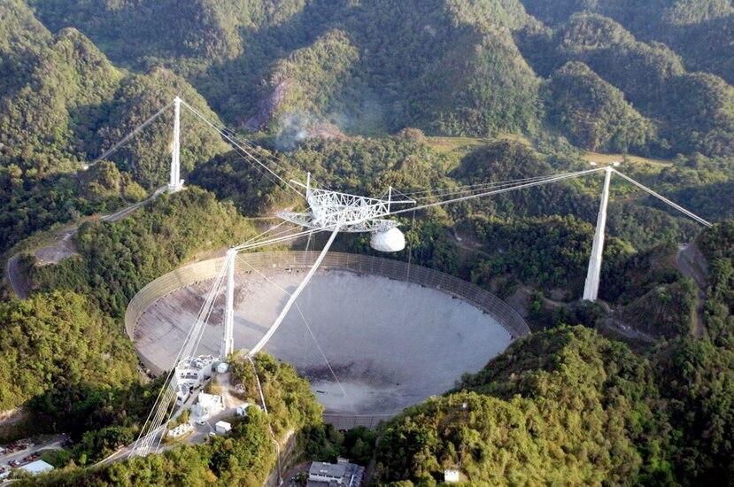 Imagen del Observatorio de Arecibo antes de los accidentes recientes. (El Nuevo Día)