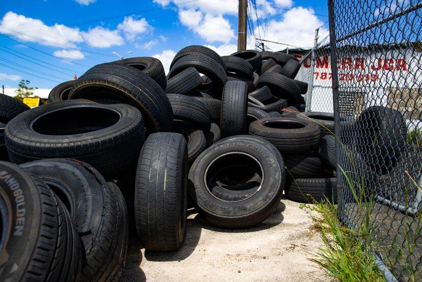 Representantes penepés emplazan al secretario del DRNA para que atienda la crisis de neumáticos