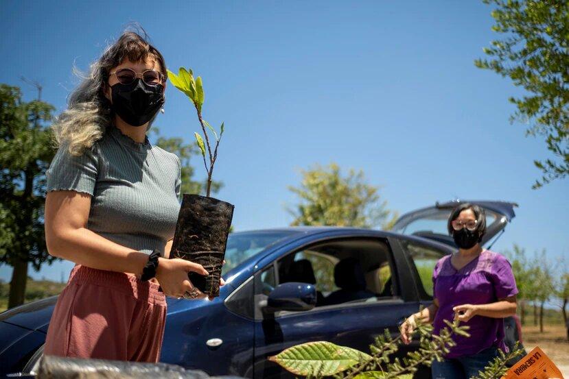La organización Para la Naturaleza repartió más de 10,000 árboles en la actividad Feria 2021