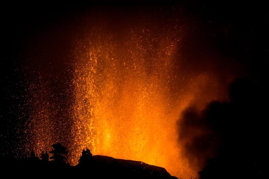 Erupción volcánica en la isla La Palma de España podría durar semanas o meses